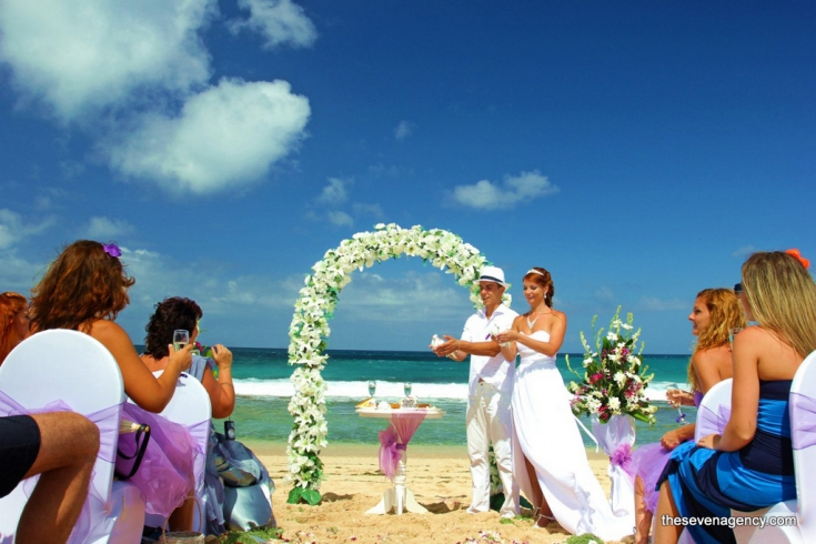 Beach wedding in bali for Bali mariage location